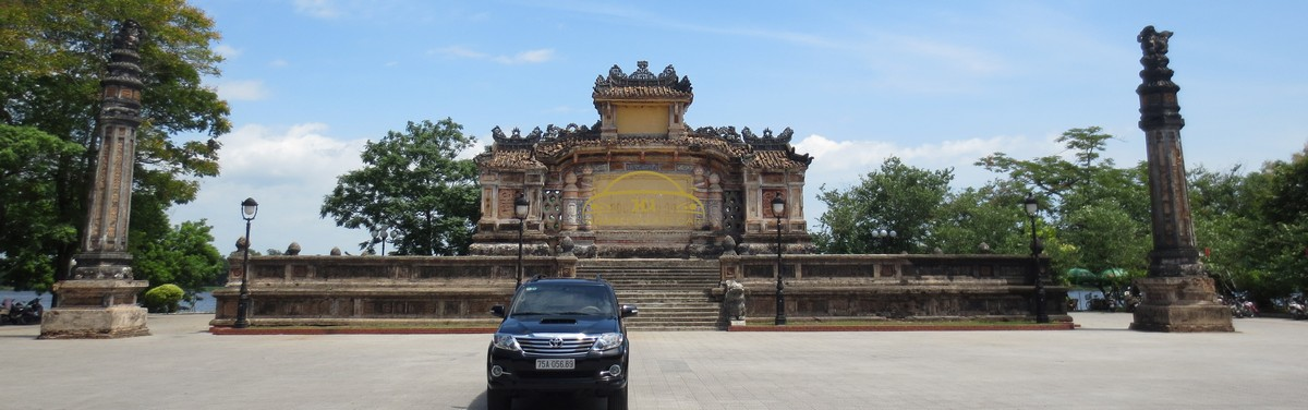 Fortuner 7 seaters car 2015 - Hoi An Private Car