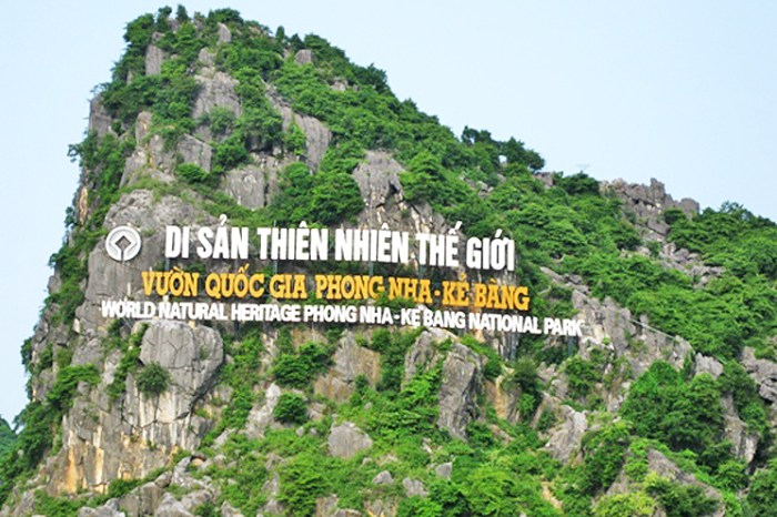 Luxury car Danang to Phong Nha