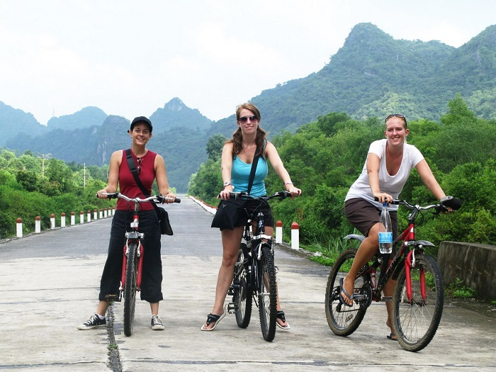 The best way to travel from Hoi An to Hue