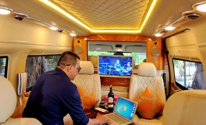 Hue Luxury Limousine Dcar transfers