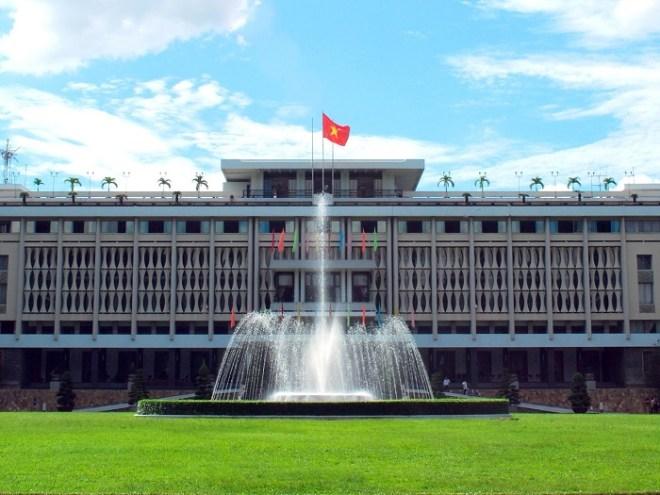 Luxury car Nhatrang to Saigon