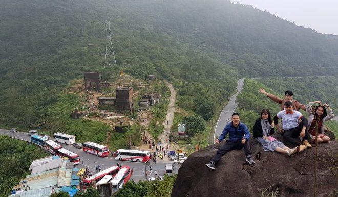 Stop at Hai Van pass, Hoian Private Car