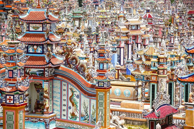 An-Bang-Cemetery-City-Of-Ghosts-Hue-Hoi-An-Private-Car