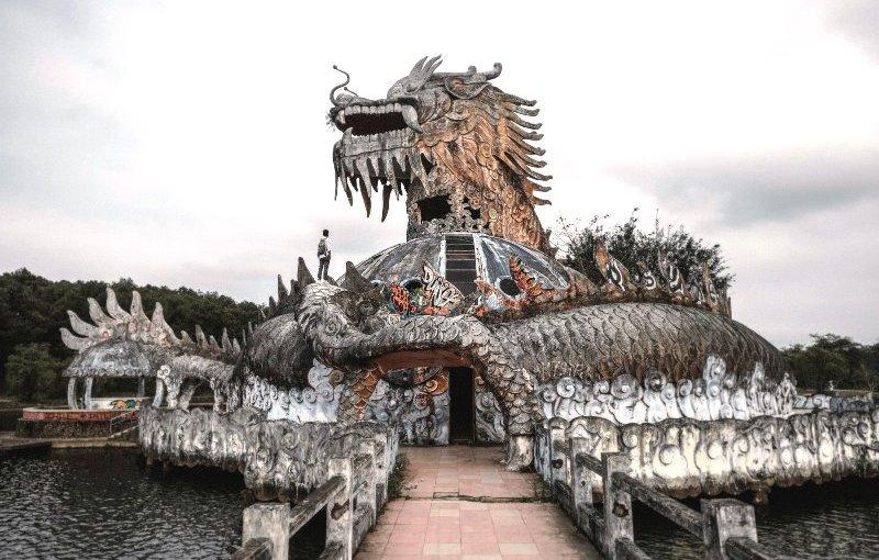 Abandoned Water Park Hue- Thuy Tien Lake