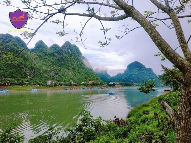 Da-Nang-To-Phong-Nha-By-Private-Car-Hoi-An-Private-Car-Travel