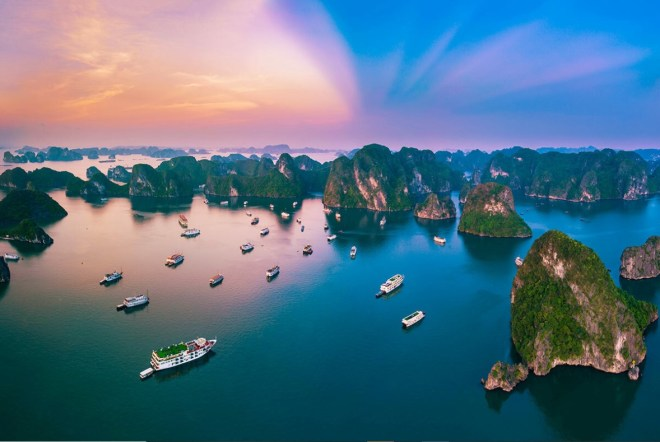 Hanoi-to-Halong-Bay-By-Private-Car-Hoi-An-Private-Car