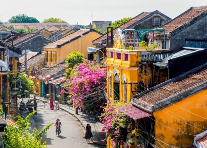 Central-Vietnam-Tour-4-Days-Hoi-An-Private-Car-Travel-Transport