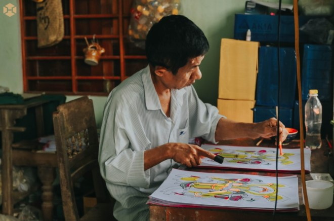 Hue-Handicraft-Village-Tour-Hoi-An-Private-Car-Travel-Transport