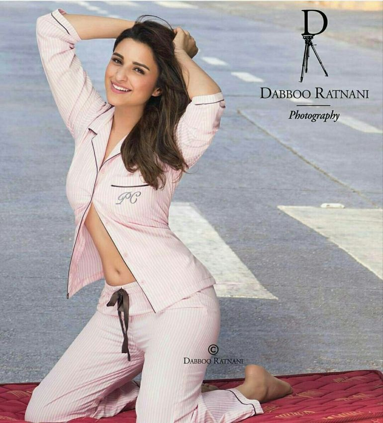 Top 15 Bollywood Actress Topless for The Photo Shoot of Dabboo ratnani calendar 122