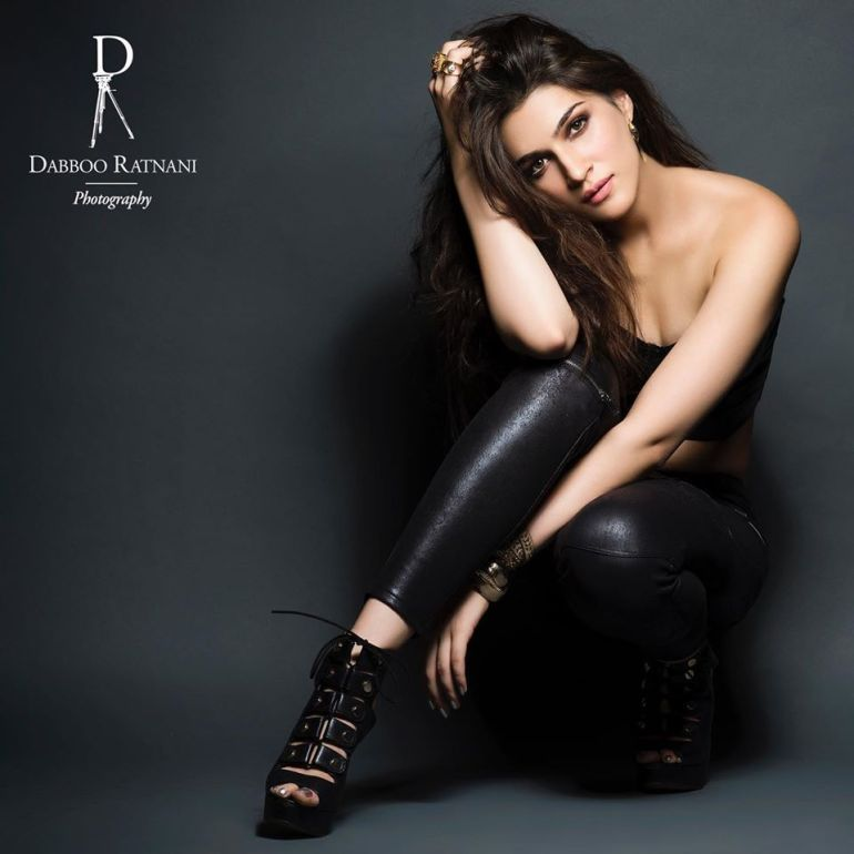 Top 15 Bollywood Actress Topless for The Photo Shoot of Dabboo ratnani calendar 139