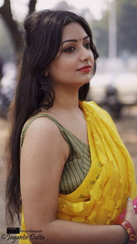 Rupsa Saha Chowdhury Wiki, Age, Biography, Movies, and Glamorous Photos 101