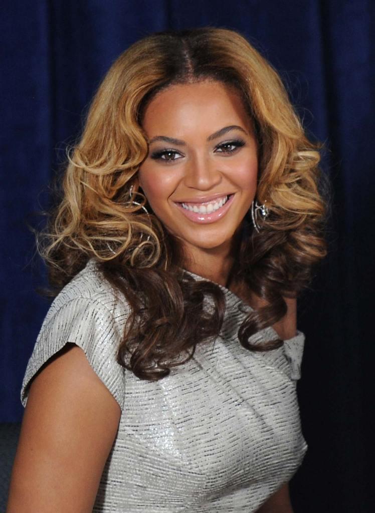 Worlds 10 beautiful women according to Golden Ratio of Beauty Phi Standards 109