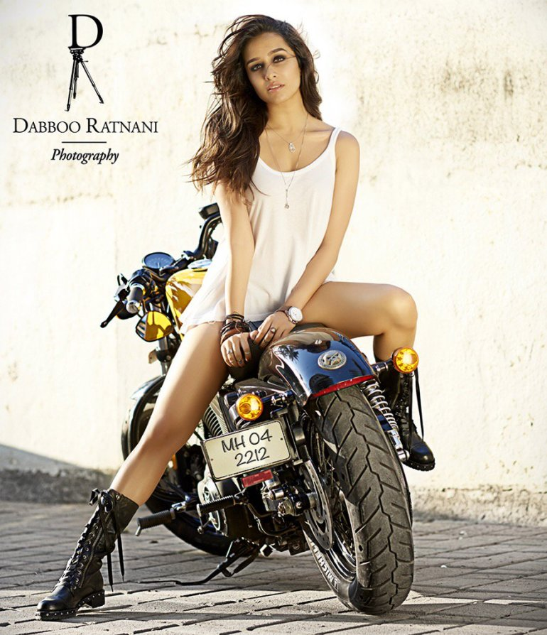 Top 15 Bollywood Actress Topless for The Photo Shoot of Dabboo ratnani calendar 119