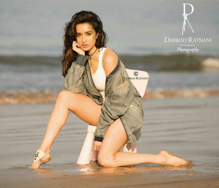Top 15 Bollywood Actress Topless for The Photo Shoot of Dabboo ratnani calendar 118