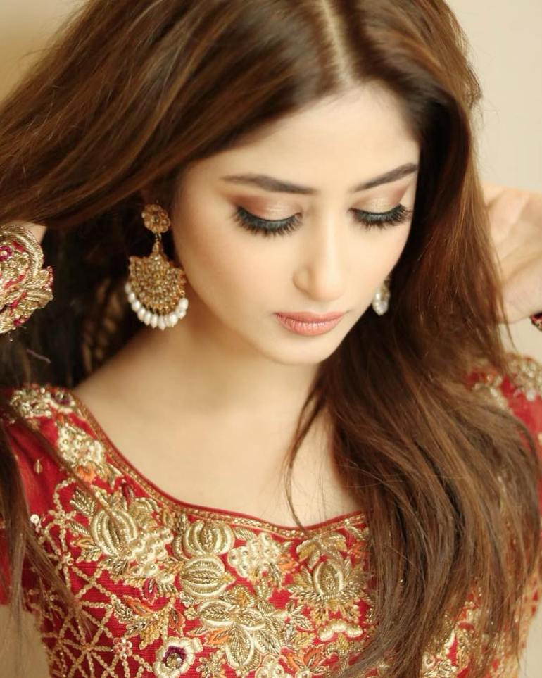 Sajal Aly Wiki, Age, Biography, Movies, and Beautiful Photos 104