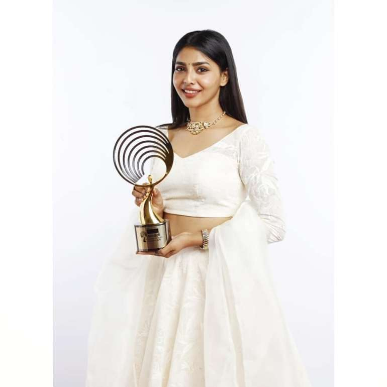 Aishwarya Lekshmi Wiki, Biography, Age, Boyfriend, and Beautiful Photos 121