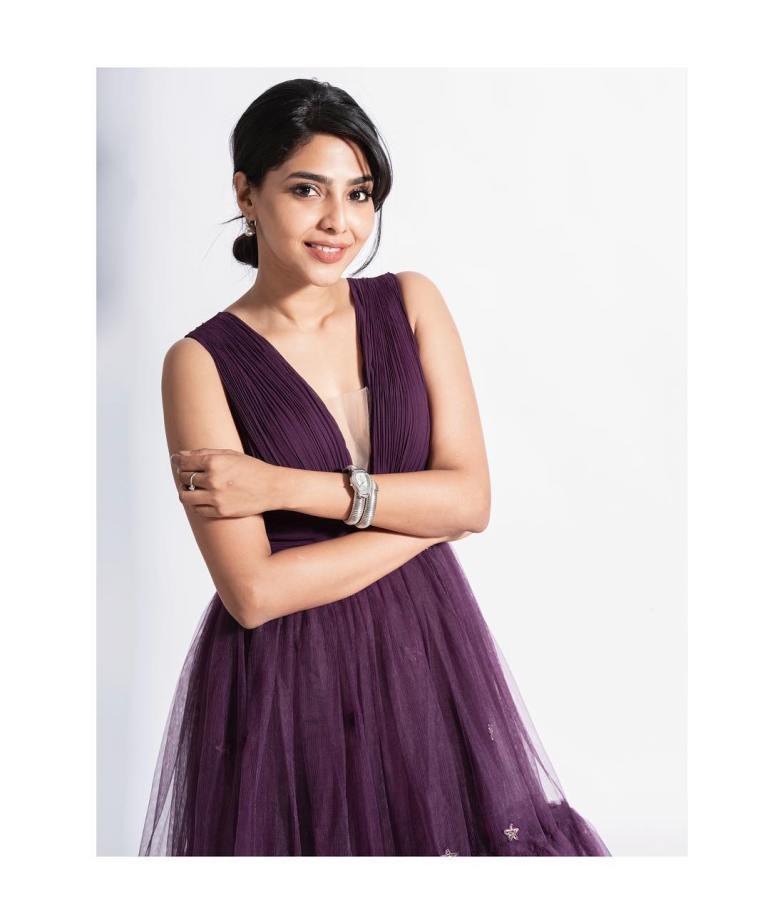Aishwarya Lekshmi Wiki, Biography, Age, Boyfriend, and Beautiful Photos 113
