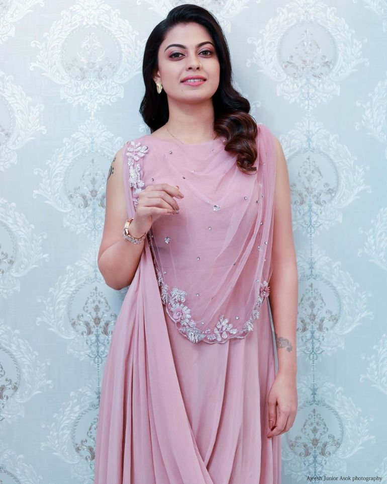 Anusree Wiki, Age, Biography, Movies, and Gorgeous Photos 117