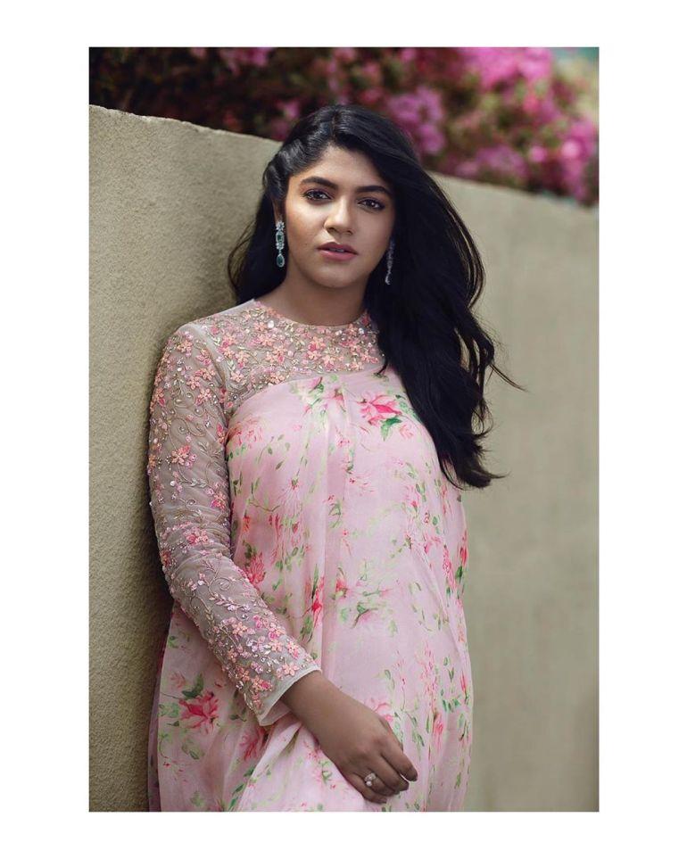 Aparna Balamurali Wiki, Biography, Age, Boyfriend, and Beautiful Photos 115