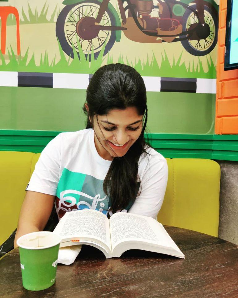 Aparna Balamurali Wiki, Biography, Age, Boyfriend, and Beautiful Photos 124