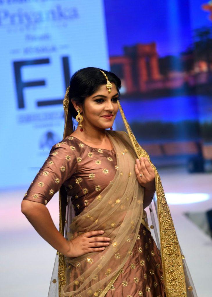 Aparna Balamurali Wiki, Biography, Age, Boyfriend, and Beautiful Photos 138