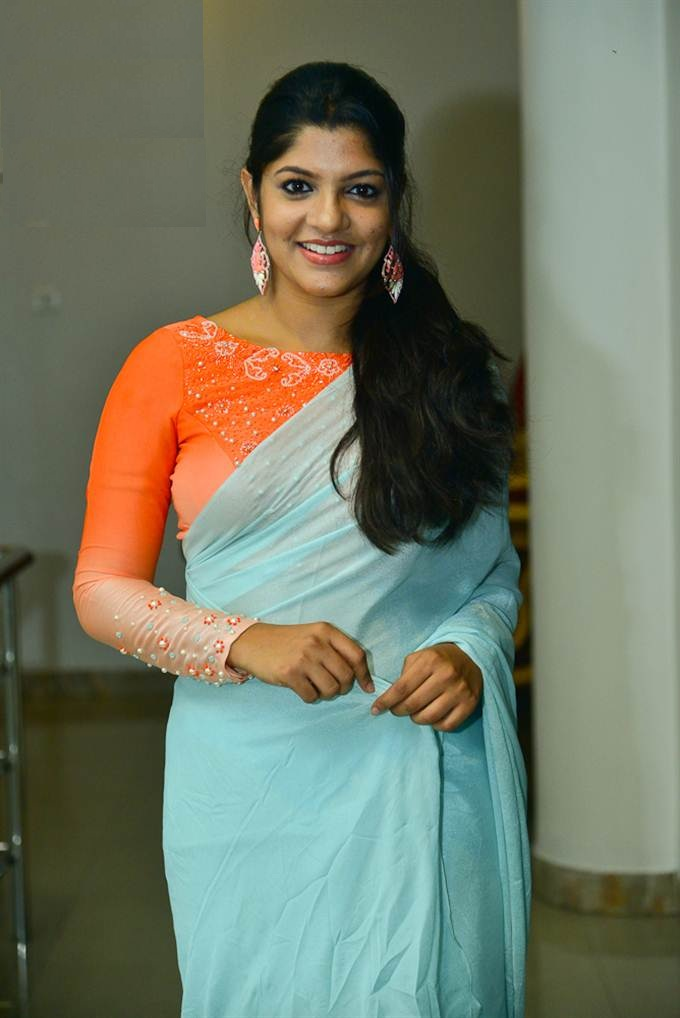 Aparna Balamurali Wiki, Biography, Age, Boyfriend, and Beautiful Photos 145