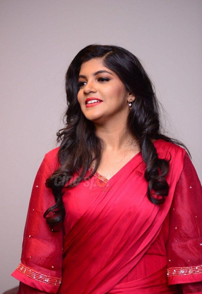 Aparna Balamurali Wiki, Biography, Age, Boyfriend, and Beautiful Photos 149