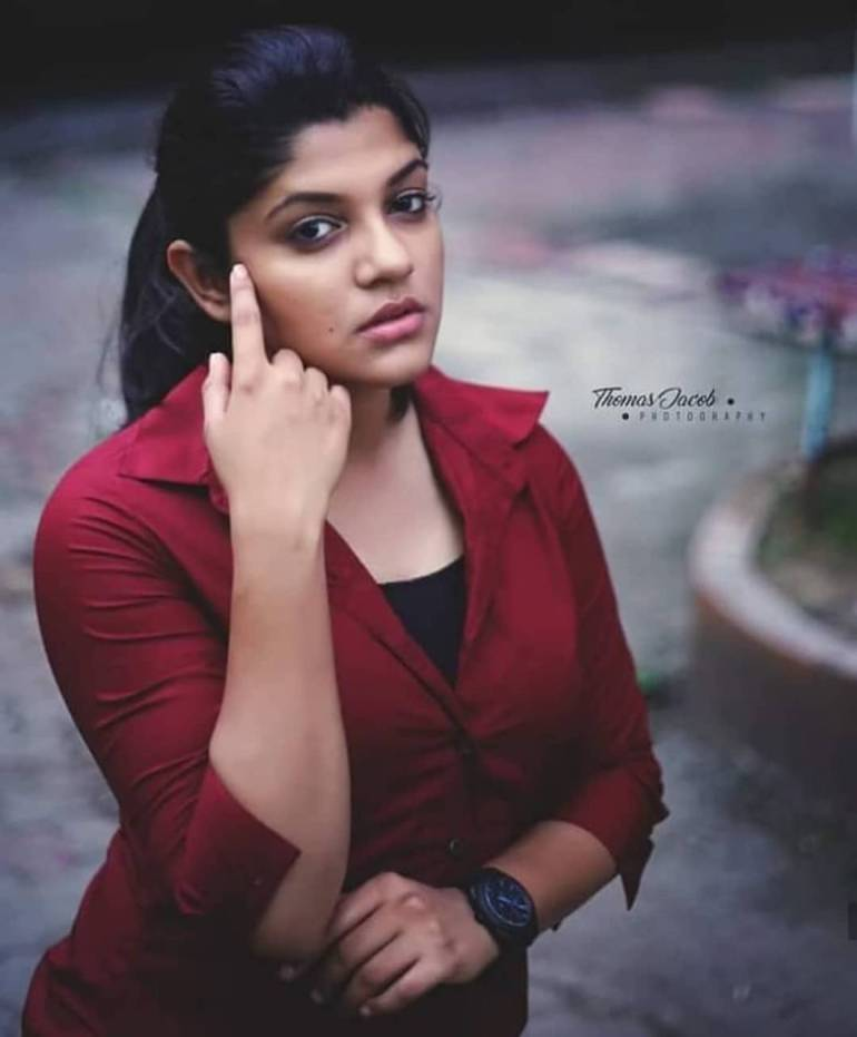 Aparna Balamurali Wiki, Biography, Age, Boyfriend, and Beautiful Photos 154
