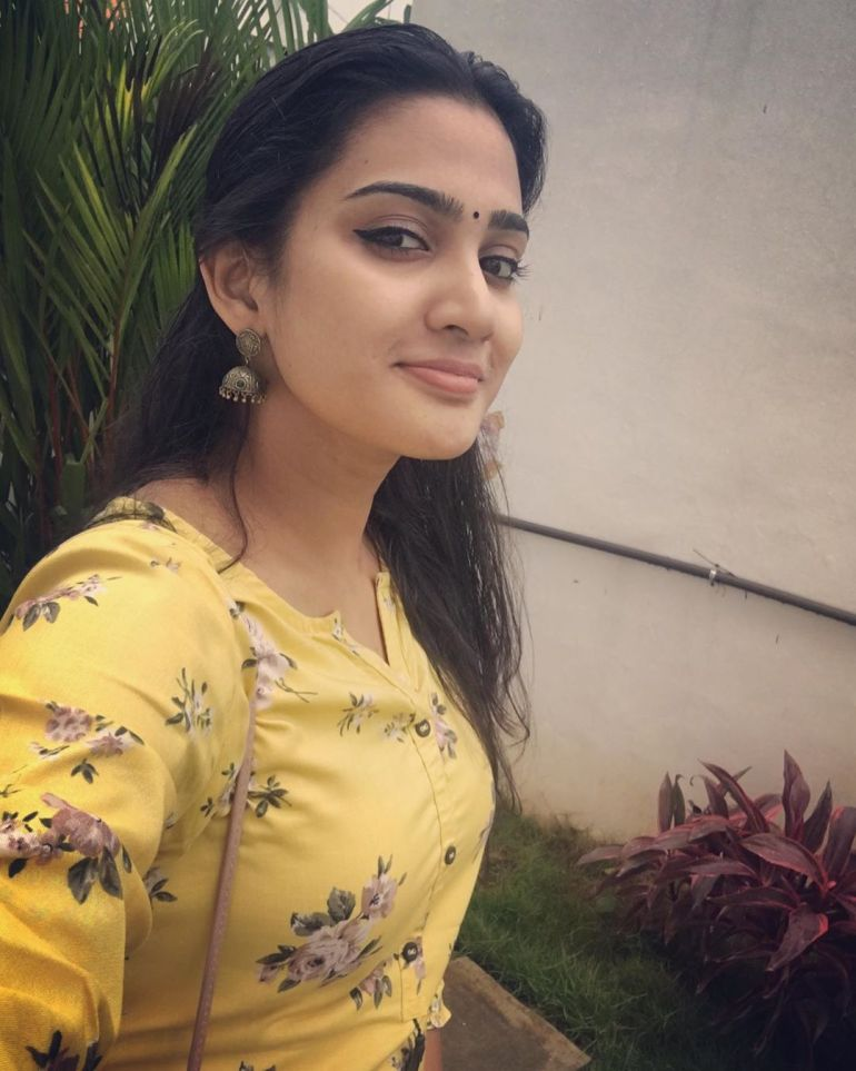 Aditi Ravi Wiki, Age, Biography, Movies, and Charming Photos 118