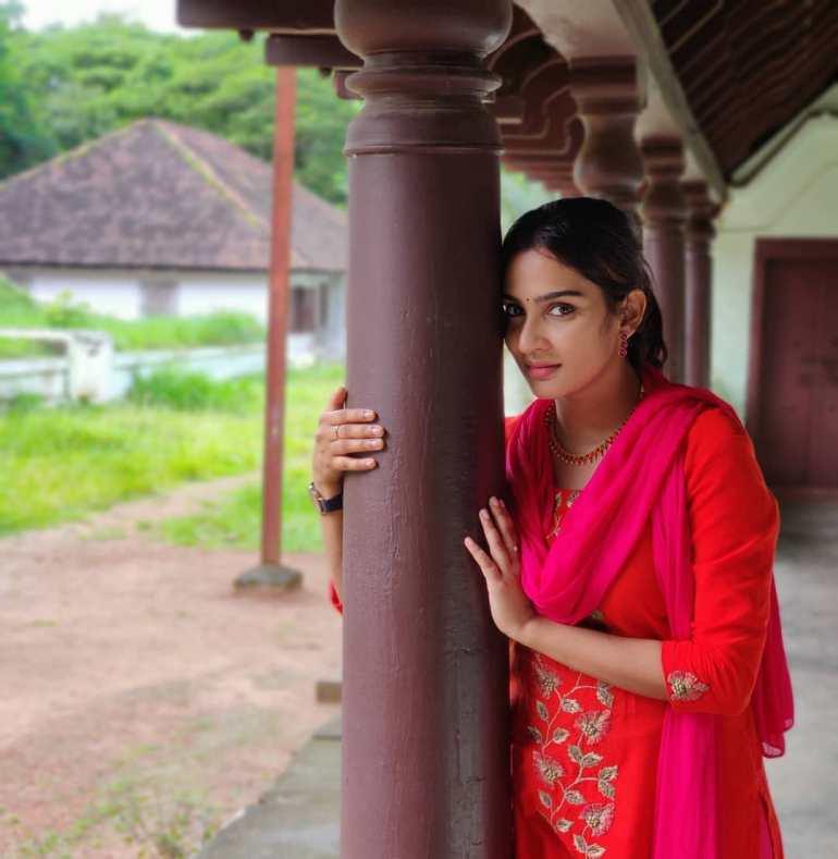 Aditi Ravi Wiki, Age, Biography, Movies, and Charming Photos 122