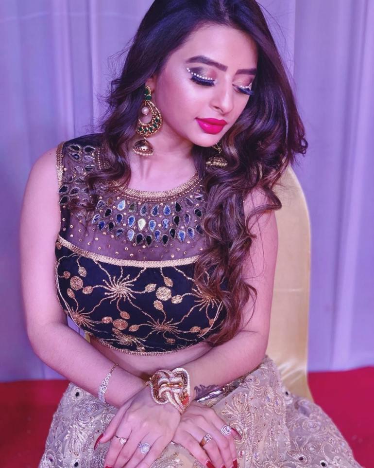 Ankita dave Wiki, Age, Biography, Movies, and Glamorous Photos 121