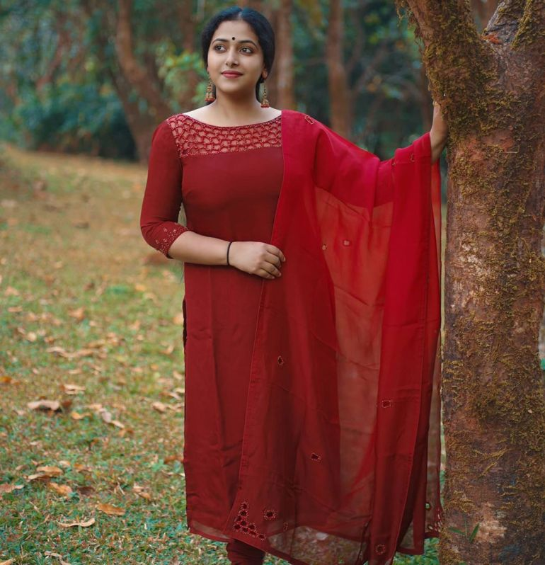Anu SitharaWiki, Age, Biography, Movies, and Beautiful Photos 104