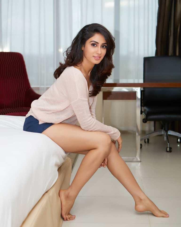 Deepti Sati Wiki, Age, Biography, Movies, and glamorous Photos 107