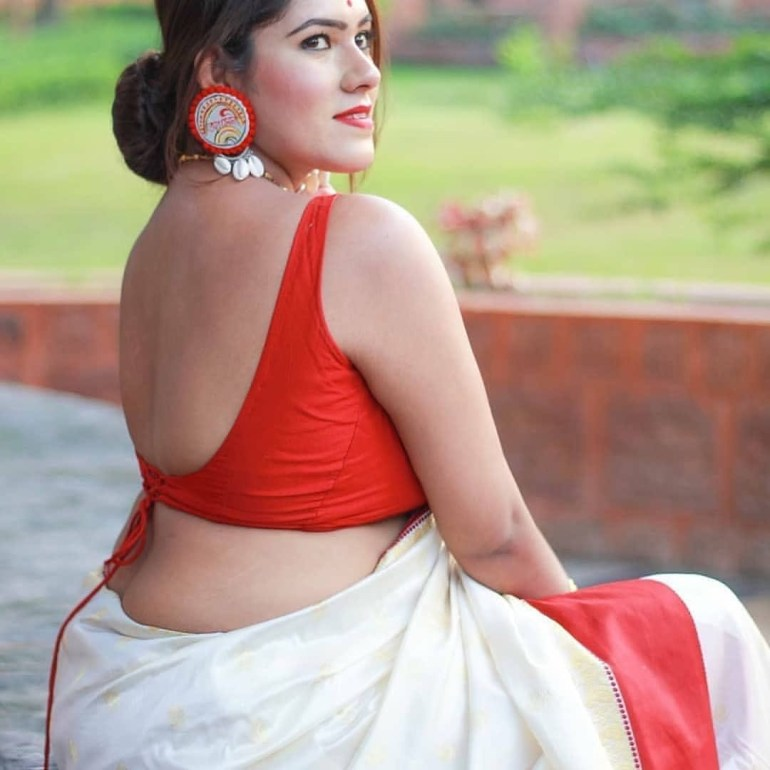 Bengali Model Dwiti Roy Wiki, Age, Biography, Movies, and Glamorous Photos 112
