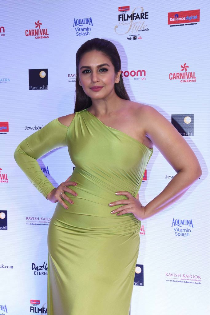 Huma Qureshi Wiki, Age, Biography, Movies, and Gorgeous Photos 99