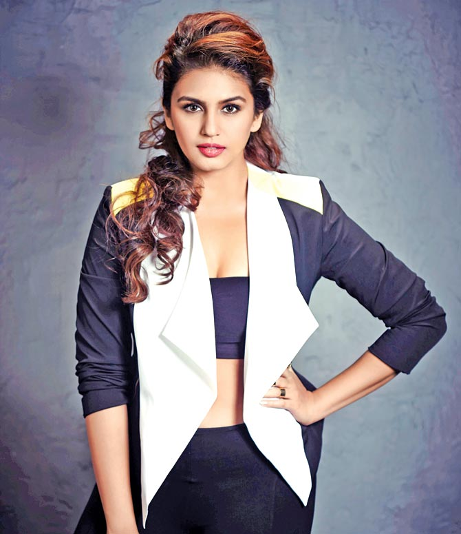 Huma Qureshi Wiki, Age, Biography, Movies, and Gorgeous Photos 109