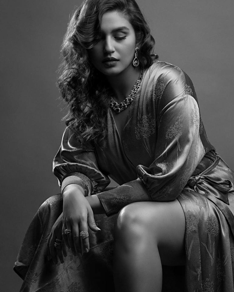 Huma Qureshi Wiki, Age, Biography, Movies, and Gorgeous Photos 112