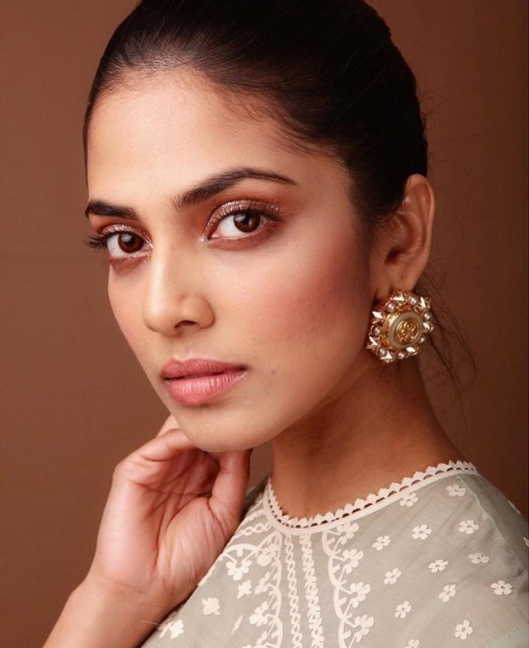 Malavika Mohanan Wiki, Age, Biography, Movies, and Beautiful Photos 127