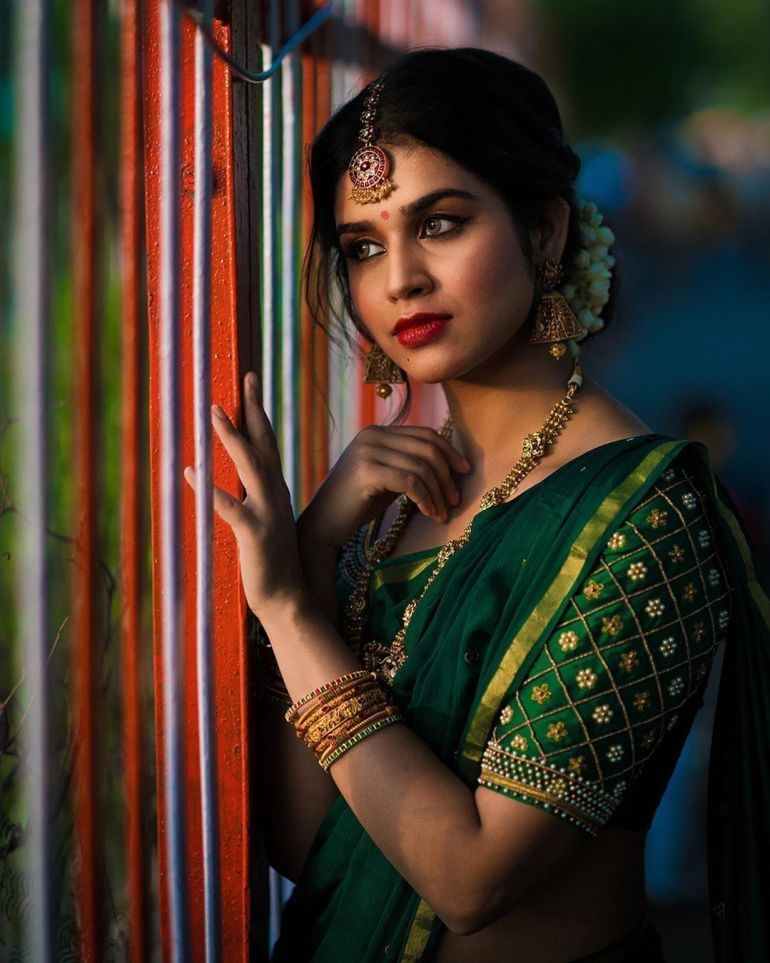 Meenakshi Govindarajan Wiki, Age, Biography, Movies, and Gorgeous Photos 109