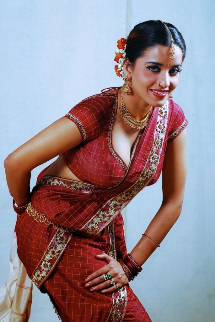 Monalisa (Antara Biswas) Wiki, Age, Biography, Movies, and Stunning Photos 133
