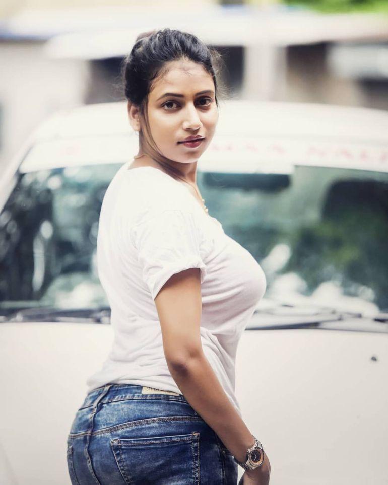 Instagram & YouTube Sensation Nandini Nayek Wiki, Age, Biography and Glamorous Photos 109