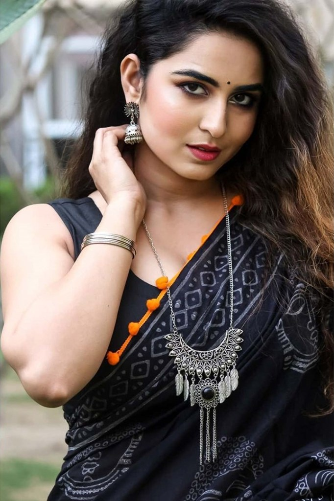 The Breathtaking Beauty of India Neeru Starlet Wiki, Age, Biography, Movies, and Gorgeous Photos 116