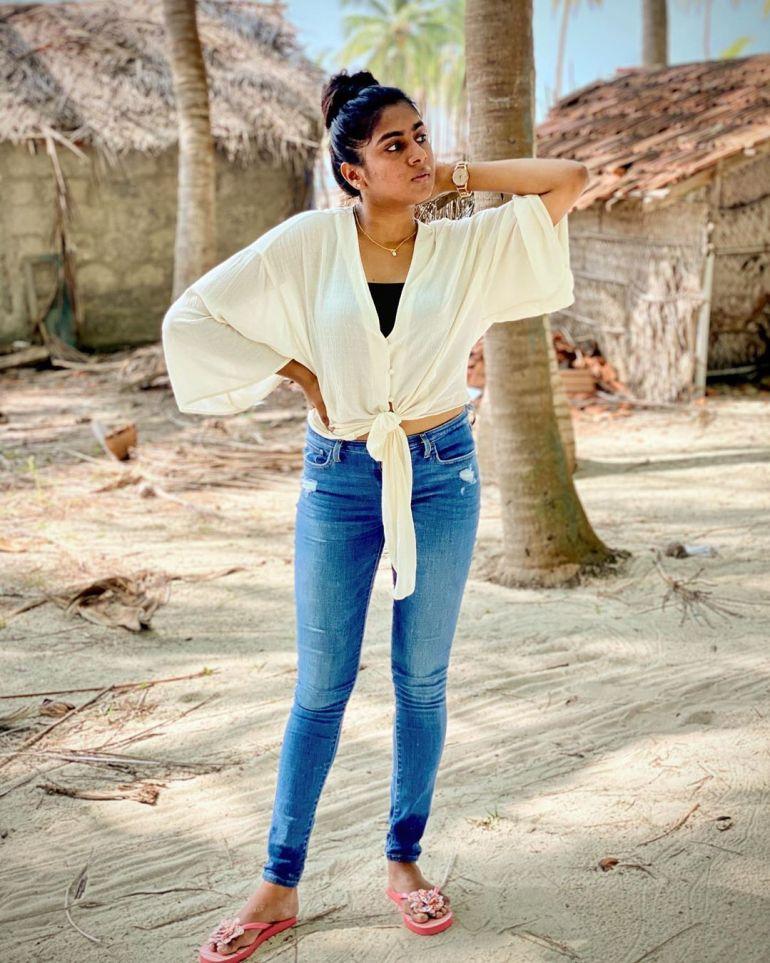 Nimisha Sajayan Wiki, Age, Biography, Movies, and Beautiful Photos 118