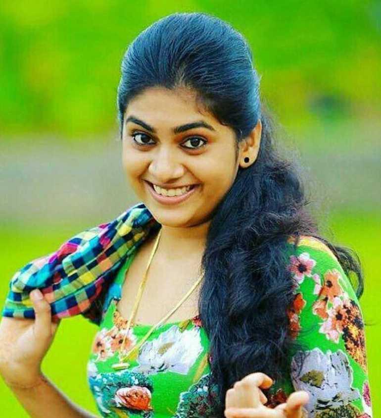 Nimisha Sajayan Wiki, Age, Biography, Movies, and Beautiful Photos 112