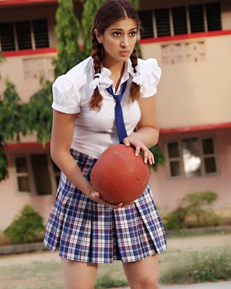 Which Indian actresses look Glamorous in school uniform? 131