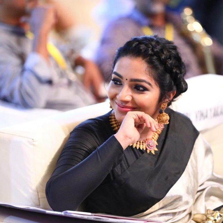 Rajisha Vijayan Wiki, Age, Biography, Movies, and Charming Photos 110