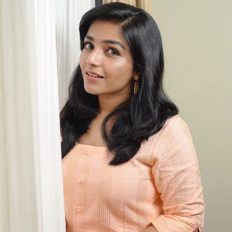 Rajisha Vijayan Wiki, Age, Biography, Movies, and Charming Photos 120