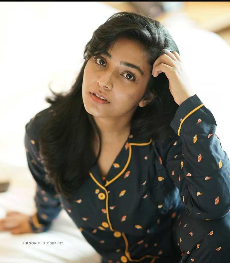 Rajisha Vijayan Wiki, Age, Biography, Movies, and Charming Photos 124