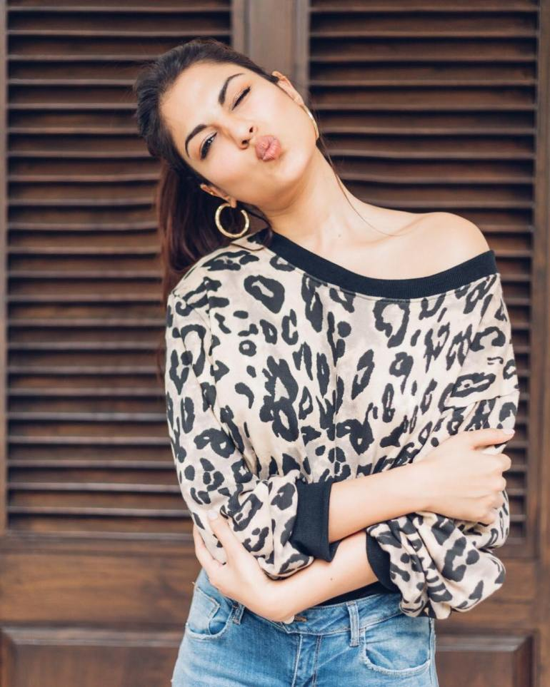 Rhea Chakraborty Wiki, Age, Biography, Movies, and Beautiful Photos 102
