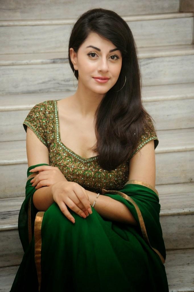 Rishika Jairath Wiki, Age, Biography, Movies, and Beautiful Photos 113